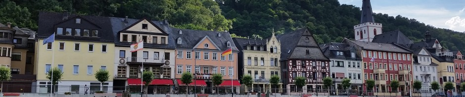 St. Goar is so freaking beautiful and this shot was pure luck. We were on the ferry and I just happen to catch the light just so. Gah! So much loveliness! I do love the collaboration here between the natural and human-made beauty.